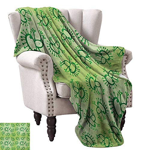 Green Warm Blanket Doodle Style Drawing of Alien Frogs Fantasy Theme Watercolors Cartoon Like Pattern Kids Fall Winter Spring Living Room 70