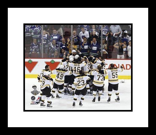2010/11 Boston Bruins NHL Framed 8x10 Photograph Stanley Cup Champs On Ice Celebration