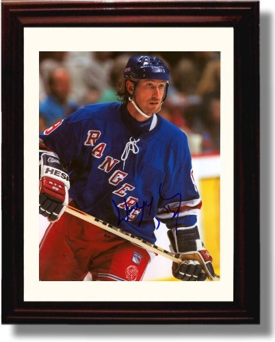 Framed Wayne Gretzky Autograph Replica Print - New York ()