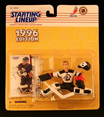 DOMINIK HASEK / BUFFALO SABRES 1996 NHL Starting Lineup Action Figure & Exclusive Collector Skybox Trading Card