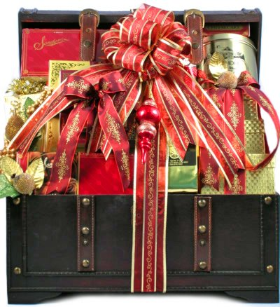 The Holiday VIP Deluxe Gourmet Food Gift Basket - Size Medium