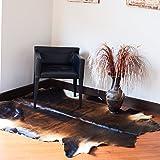 Blanc, noir et caramel, grand tapis de peau de vache, tapis de cuir de vache, idées de décoration de maison, grands tapis, peau de vache.