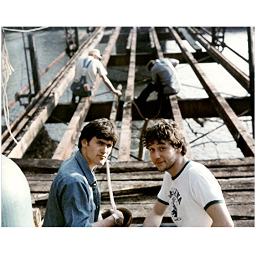 The Evil Dead II (1987) 8 Inch x 10 Inch Photo Bruce Campbell Blue Shirt & Sam Raimi White Tee kn