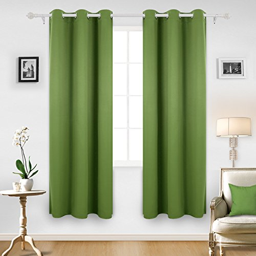 Green Window Curtain (Deconovo Room Darkening Thermal Insulated Blackout Grommet Window Curtain Panel For Bedroom, Green,42x84-Inch,1 Panel)