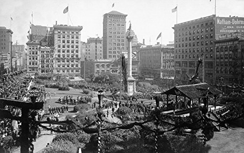 San Francisco, California - Aerial View of Portola Festivities in Union Square (24x36 SIGNED Print Master Giclee Print w/ Certificate of Authenticity - Wall Decor Travel - San Francisco Union Square In
