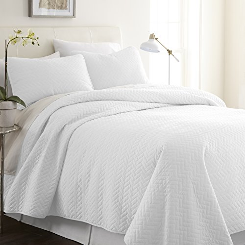 ienjy Home Herring Patterned Quilted Coverlet Set, King, White from ienjy Home
