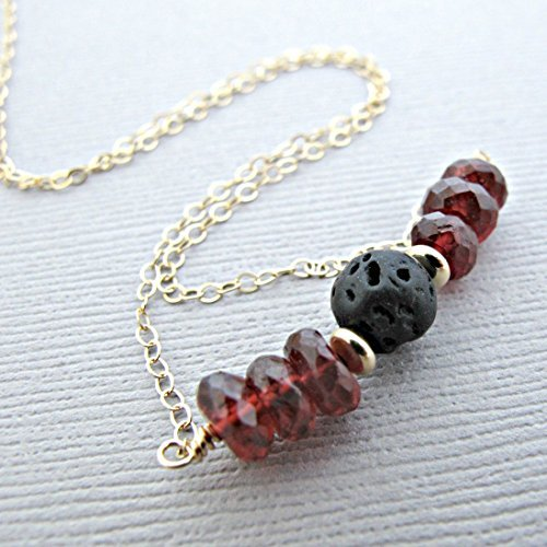 Garnet Lava Pendant Essential Oil Necklace Diffuser Aromatherapy - Simple Minimalist Lava Bead Diffuser Necklace Dainty 14kt Gold Fill [並行輸入品] B07B8ZBYWG