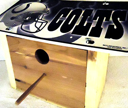 1 , Finch , Cedar Bird House, with a , INDIANAPOLIS COLTS , Metal Sign, Roof, 1.25in. Opening,,11Band, with perch without chain,,6B2.0,,2601