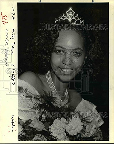 1987 Press Photo Cheryl Brown, crowned Miss Tan Portland for 1987 - orb26572 (Cheryls Portland)