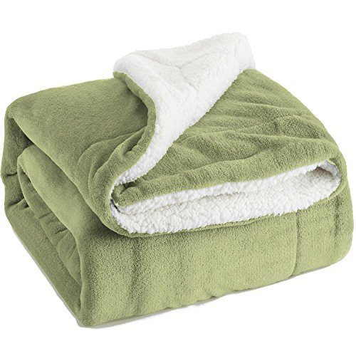 Sherpa Throw Blanket Sage Green Twin Size Reversible Fuzzy Bed Blankets Microfiber All Seasons Luxury Fluffy Blanket for Bed or Couch 60