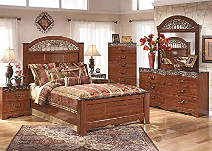 Amazon.com: THE ROOMPLACE Beckett 7 Pc. Queen Bedroom Furniture Set ...