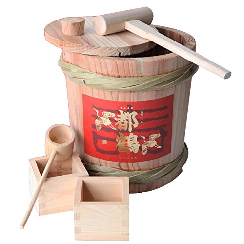 Amazon.co.jp: ミニ樽鏡開きセット 純米酒1800ml 伏見都鶴酒造: 食品 ...