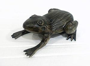 MG Decor MGD78643B-GB Frog Garden Statue, Multi