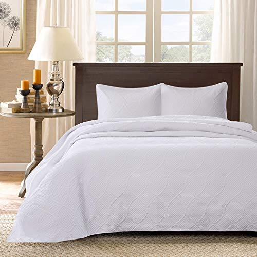 3 Piece 120 x 118 Oversized White King Bedspread To The Floor, Extra Long Quilted Bedding Xtra Wide Drops Over Edge Frame, Drapes Down Sides Hangs Over Bed Touches Flooring, Polyester