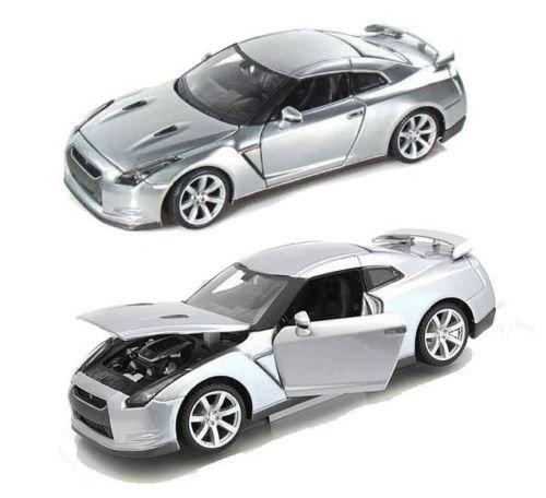 White 2009 Nissan GT-R Diecast Model Car Special Edition Maisto Maisto New 1:18 W//B Special Edition