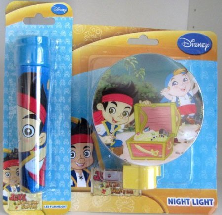 NEW Disney's Jake and the Never Land Pirates Night Light & LED Flashlight Set - 2 X AAA BATTERIES INCLUDED!