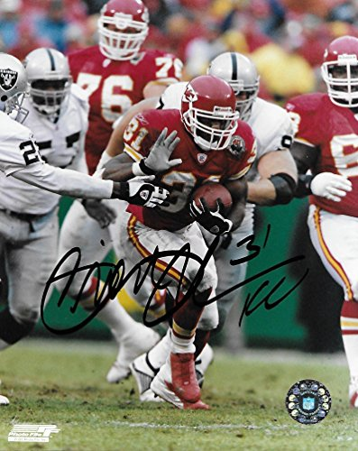 Priest Holmes, Kansas City Chiefs, Signed, Autographed, 8X10 Photo, a COA Will Be Included.