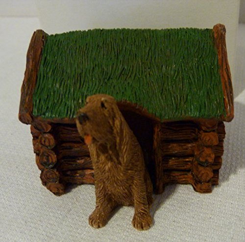 Rare Sandicast Barkitecture USA 1993 Bloodhound Figurine in Log Cabin Dog House # A108