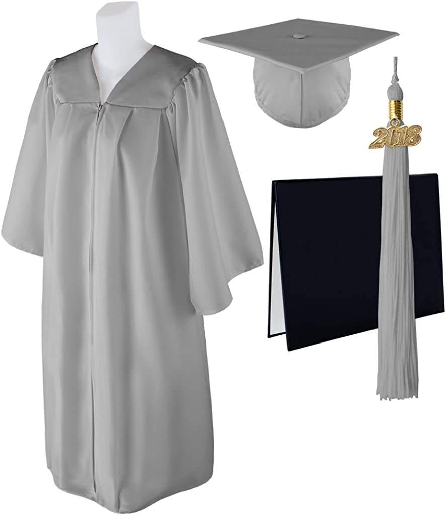 """Standard Matte Graduation Cap and Gown with Matching 2018 Tassel Size  4/'3/""""-4/'"""