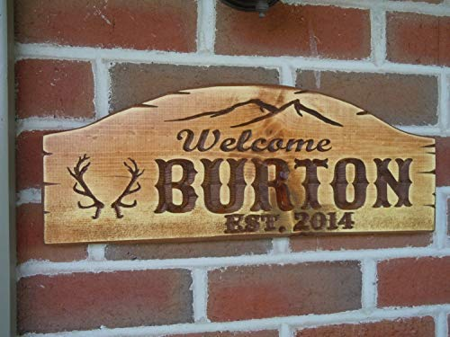 bawansign Wood Plaque Decor Outdoor Family Name Cabin Sign Welcome Sign Personalized Mountain Scene Antler Graghic Vac Home Inches Hand Painted Wall Hanging Wooden Sign ()