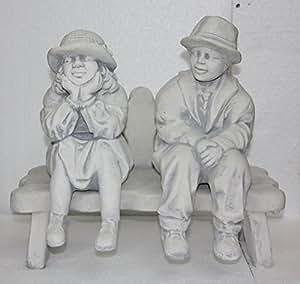 Abuelo y Abuela en banco, Figura de piedra fundido, resistente a heladas