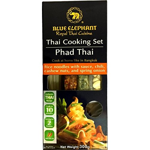 Blue Elephant Thai Cooking Set Phad Thai (Rice Noodles with Sauce Chili, Cashew Nuts and Spring Onion) 300 (Spring Onion Rice Noodle)