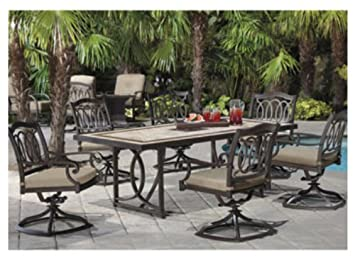 7Piece Dining Set complete with Cover This Elegant Outdoor Set