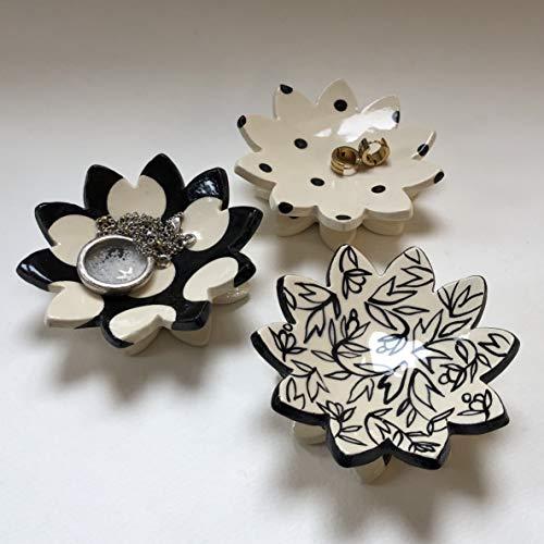 - Black & White pottery Flower Dish - set of 3