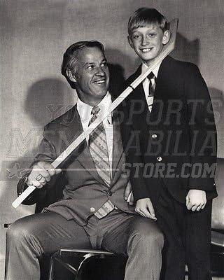 Size 8x10 Wayne Gretzky Gordie Howe The Hook 8x10 11x14 16x20 photo 2037
