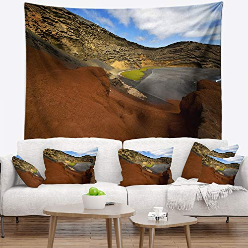 Designart TAP10741-39-32 'in El Golfo Lanzarote Spain Musk Pond' Seashore Tapestry Blanket Décor Wall Art for Home and Office, Medium: 39 in. x 32 in, Created on Lightweight Polyester Fabric by Designart