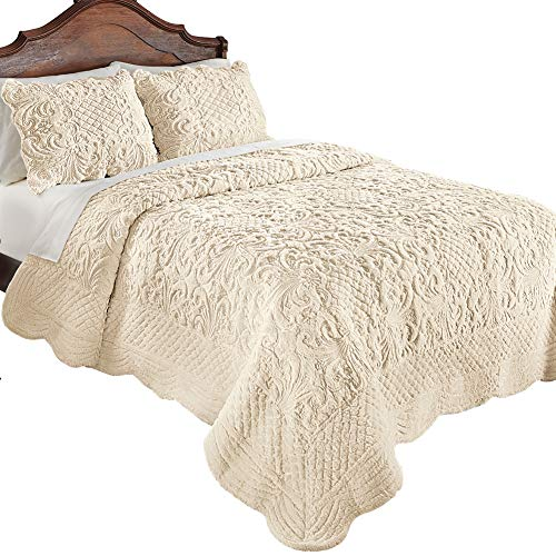 Collections Etc Elegant Ultra-Soft Faux Fur Plush Quilt Bedding with Scalloped Edges and Scroll and Lattice Patterns, Ivory, Twin