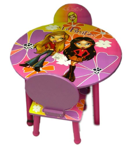 Lil' Bratz kids furniture - Bratz table and 2 chairs set