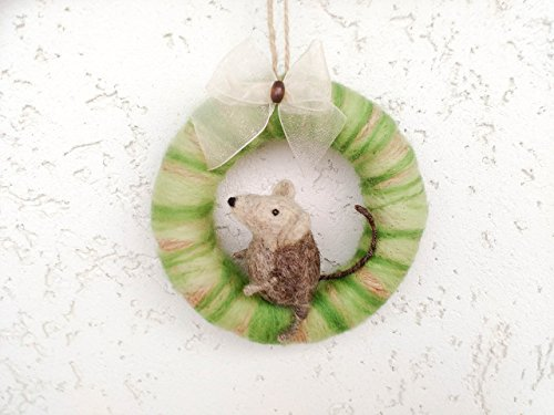 Wreath with felted miniature mouse, Needle felt mouse, Door wreath, Felt animal, Mouse gift - Needle Felted Mouse
