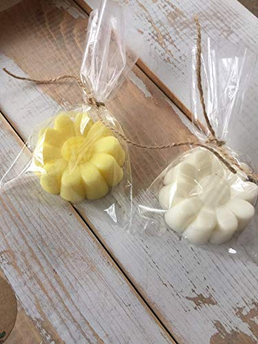 (15 Handmade Daisy Soap Favors-Bridal Shower- Wedding- Baby-Shower- Party)