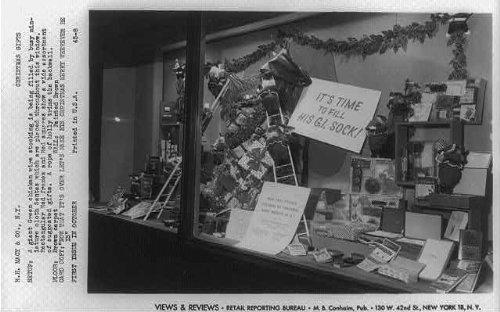 Photo: Views,reviews,RH Macy & Co,Christmas gifts,window displays,New - New Macy's York Christmas