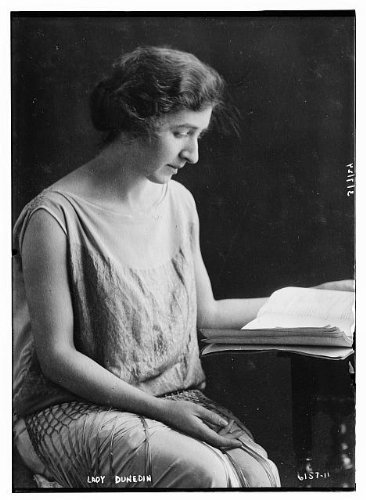 Photo: Lady Dunedin,women reading,pages