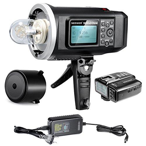 Neewer® 600Ws GN87 HSS im Freien Blitz Stroboskop mit 2.4G N1N Funk- Auslöser für Nikon DSLR Kamera, 8700mAh Batterie um 500 volle Leistung Blitze zu bieten auflade Zeit in 0.01-2.5S(NW600BM)