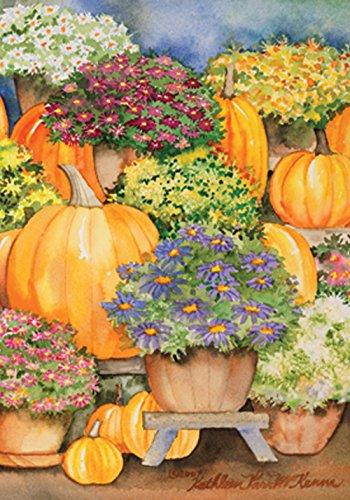 (Toland Home Garden Pumpkins and Mums 12.5 x 18 Inch Decorative Fall Autumn Mum Flower Garden Flag )