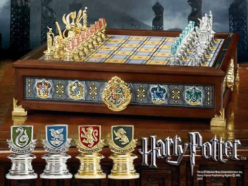 Harry Potter Chess (Harry Potter Hogwarts Houses Quidditch Chess Set)