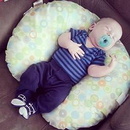 Amazon Com Boppy Nursing Pillow And Positioner Lots O