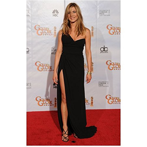 Jennifer Aniston 8 Inch x 10 Inch Photo Friends We're the Millers Office Space Long Black One Shoulder Dress on Red Carpet Pose 2 (Jennifer Aniston Celebrity)