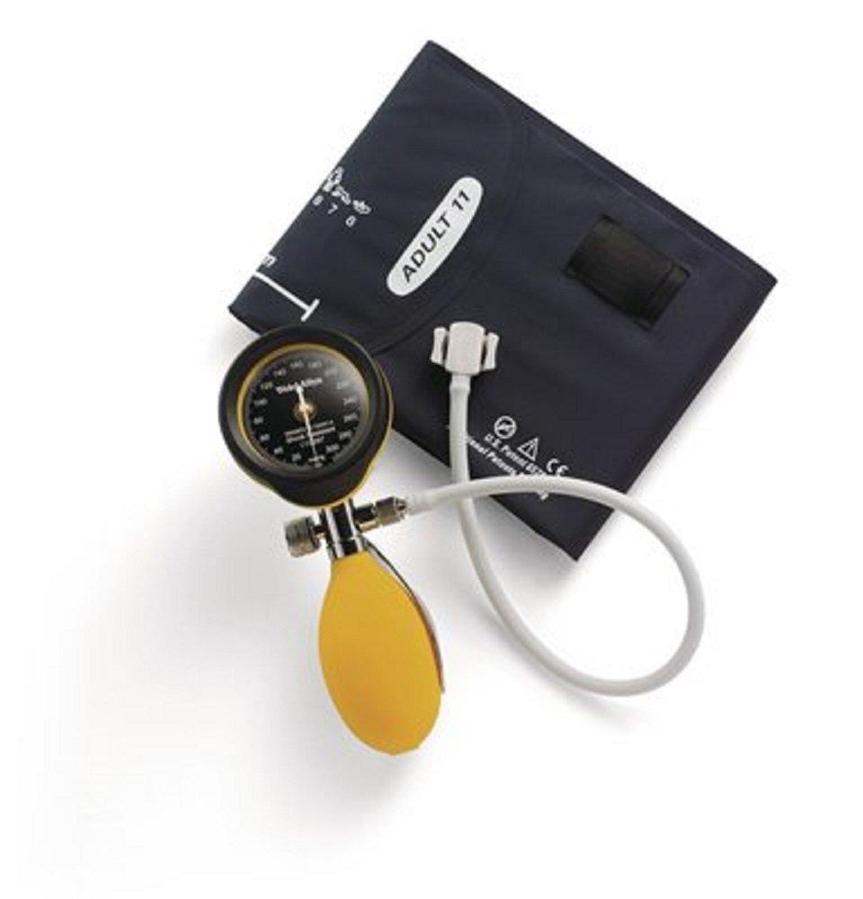 Welchallyn DS-5561-169 DuraShock Silver Series - Esfigmomanómetros de mano, manómetro de válvula de tornillo de pulgar con puño de una pieza para adultos y funda con cremallera, detalles amarillos
