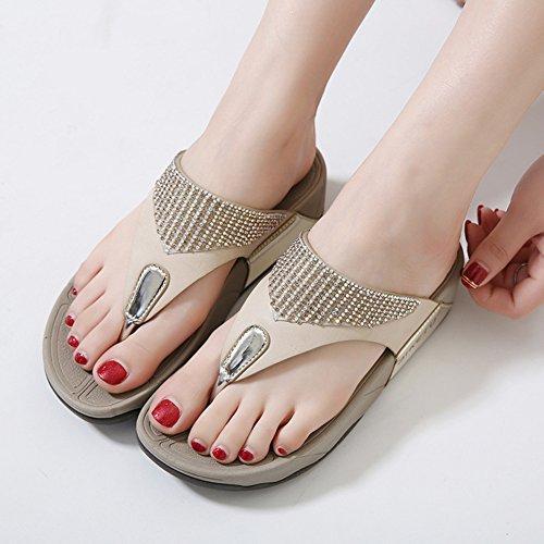 Aisun Womens Casual Rhinestone Clip Toe Thick Sole Platform Flat Flip Flops Thong Slide Sandals Beach Shoes Apricot riggE3M