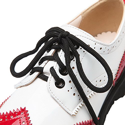 AllhqFashion Damen Lackleder Schnüren Rund Zehe Niedriger Absatz Pumps Schuhe Rot