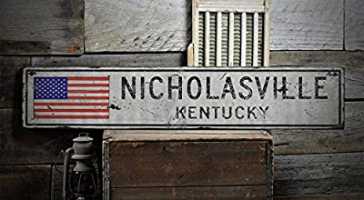 NICHOLASVILLE, KENTUCKY - Rustic Hand-Made Vintage Wooden Sign - US Flag