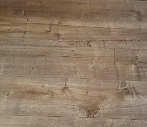 Turtle Bay Floors Beautiful Sanded European Oak Floating Laminate Flooring 8mm VESTERBRO (Sample)