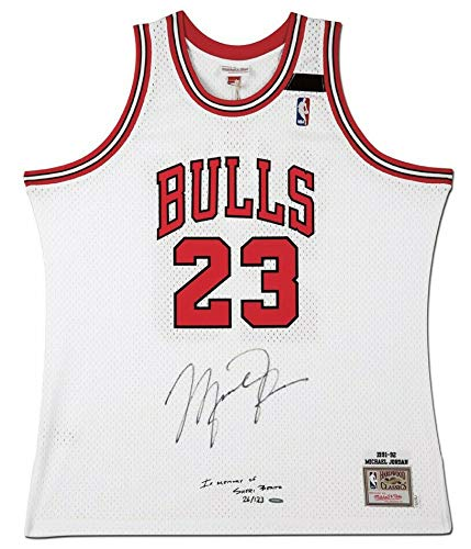 MICHAEL JORDAN Autographed Mitchell & Ness 1991-92 Embroidered Chicago Bulls White Authentic Jersey Limited Edition of 123 UDA ()