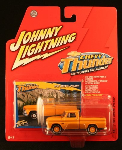 1965 CHEVY PICKUP * CHEVY THUNDER * 2005 Johnny Lightning Die-Cast Vehicle & Collector Trading Card