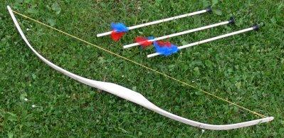 Kinderbogen Pfeil und Bogen mit 3 Pfeilen aus Esche