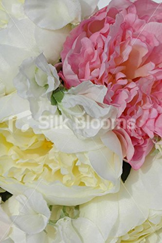 Fresh-Touch-Peony-Sweetpea-Bridesmaid-Bouquet-in-Ivory-Pink
